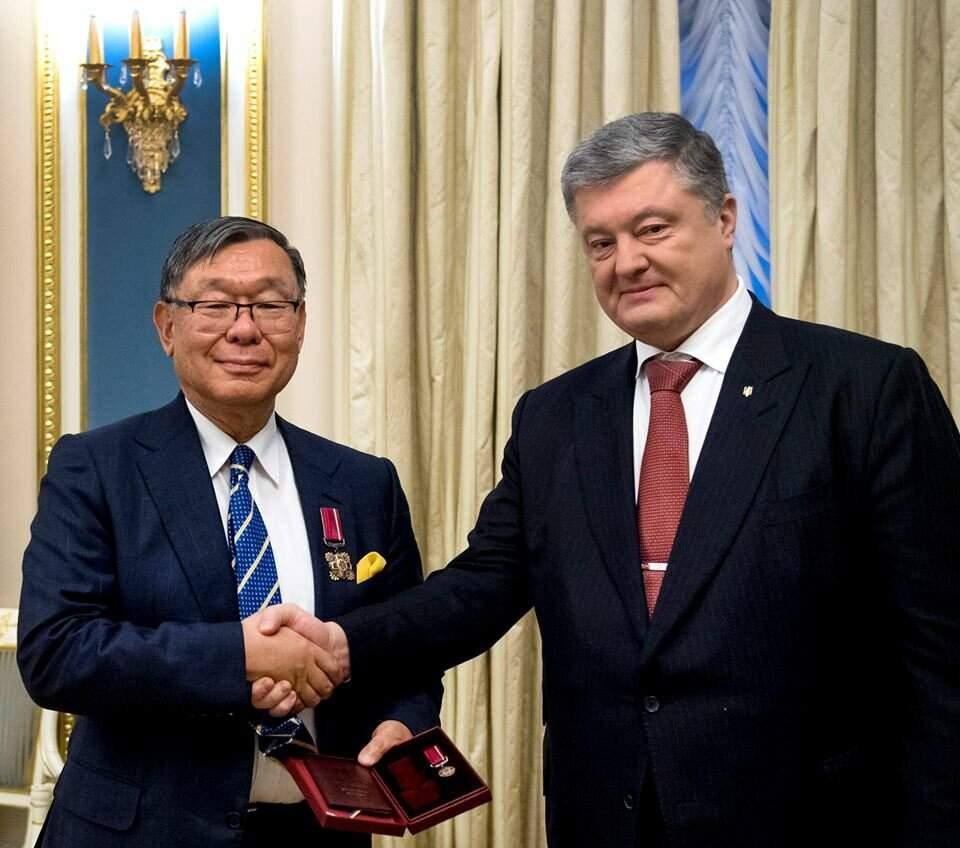Порошенко обсудил с послом Японии либерализацию визового режима для Украины