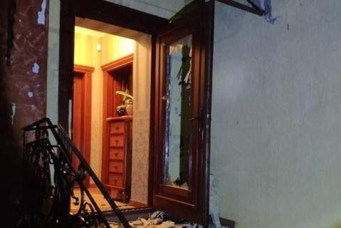 На Закарпатье обстреляли из гранатомета дом матери политика