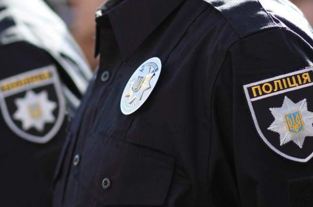 В Николаевской области мужчина покусал полицейских