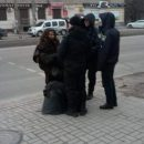В Запорожье женщина с ножом напала на активистов