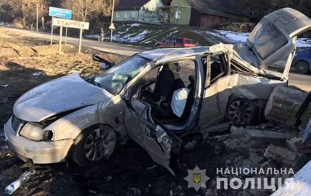 Смертельное ДТП во Львовской области: Автомобиль влетел в пост пограничников