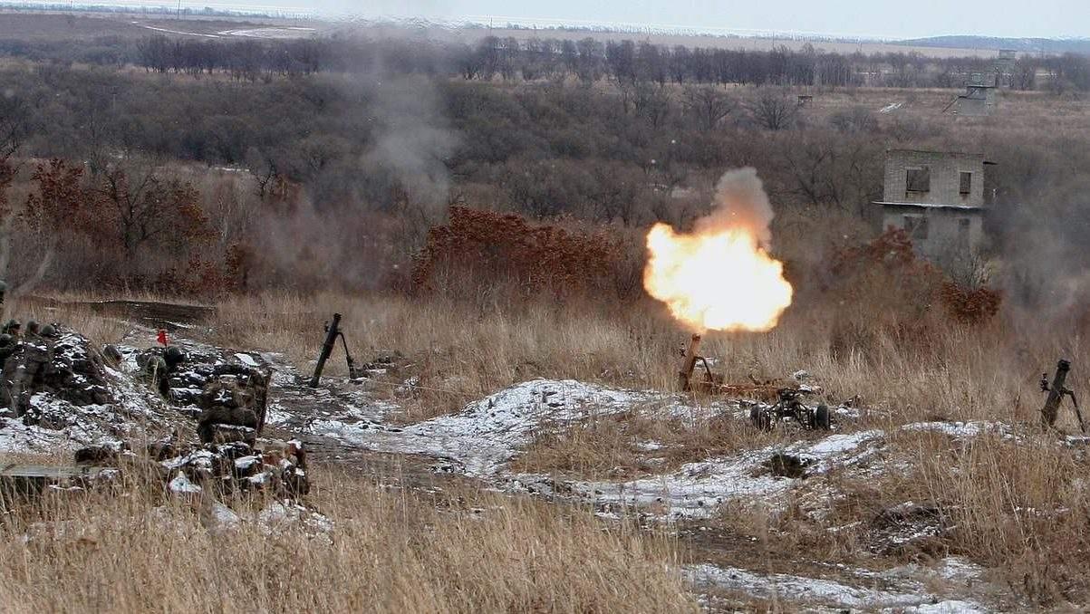 За минувшие сутки на Донбассе трое солдат ВСУ получили ранение