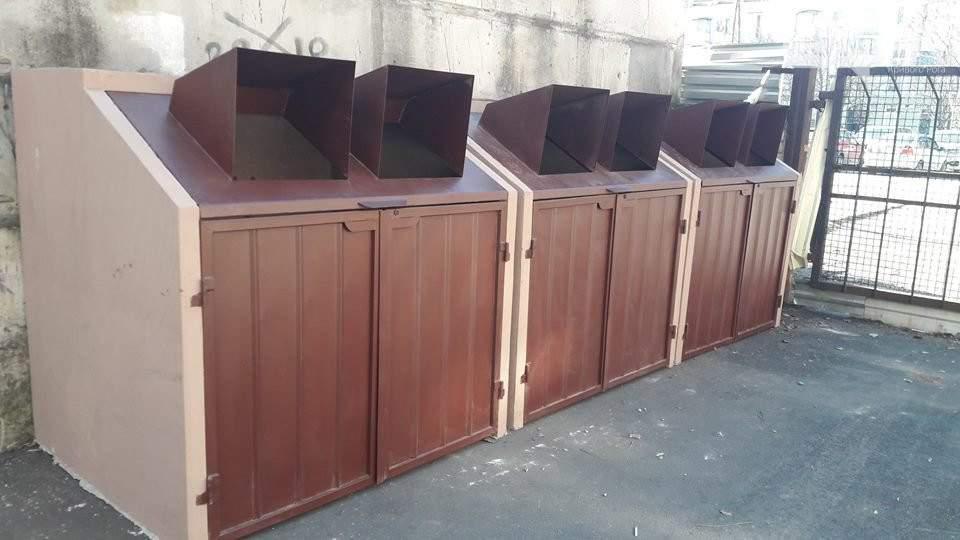 В Кривом Роге установили мусорные контейнеры из бетона (фото)