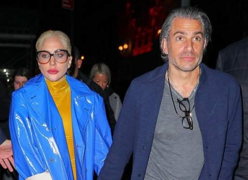 Леди Гага рассталась с женихом и уехала отдыхать в Мексику