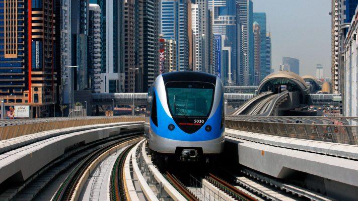 Каким транспортом передвигаться в Дубае