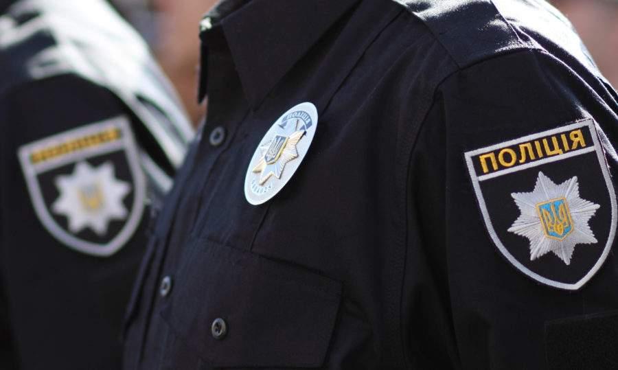 В Одессе ночью неизвестные попытались зарезать правоохранителя
