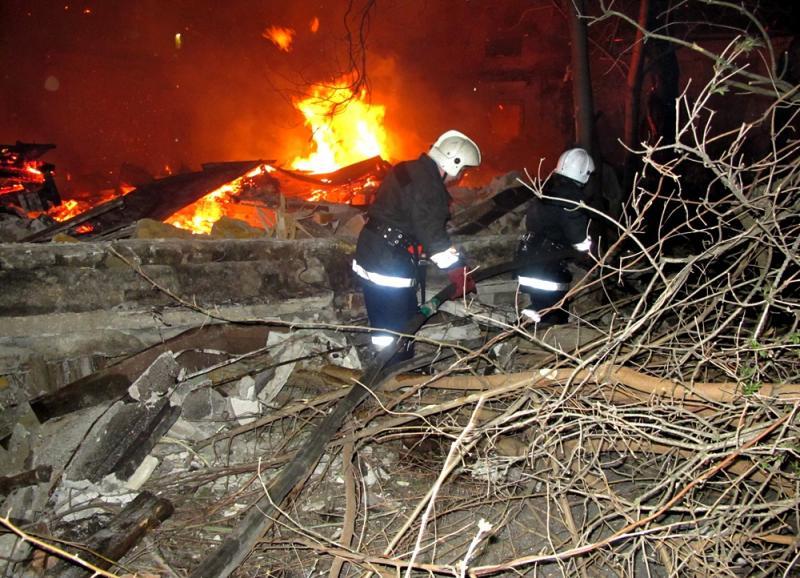 Бездомные устроили масштабный пожар в Одессе