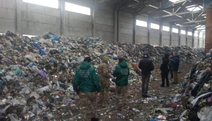 Жители сел Житомирской области перекрыли трассу