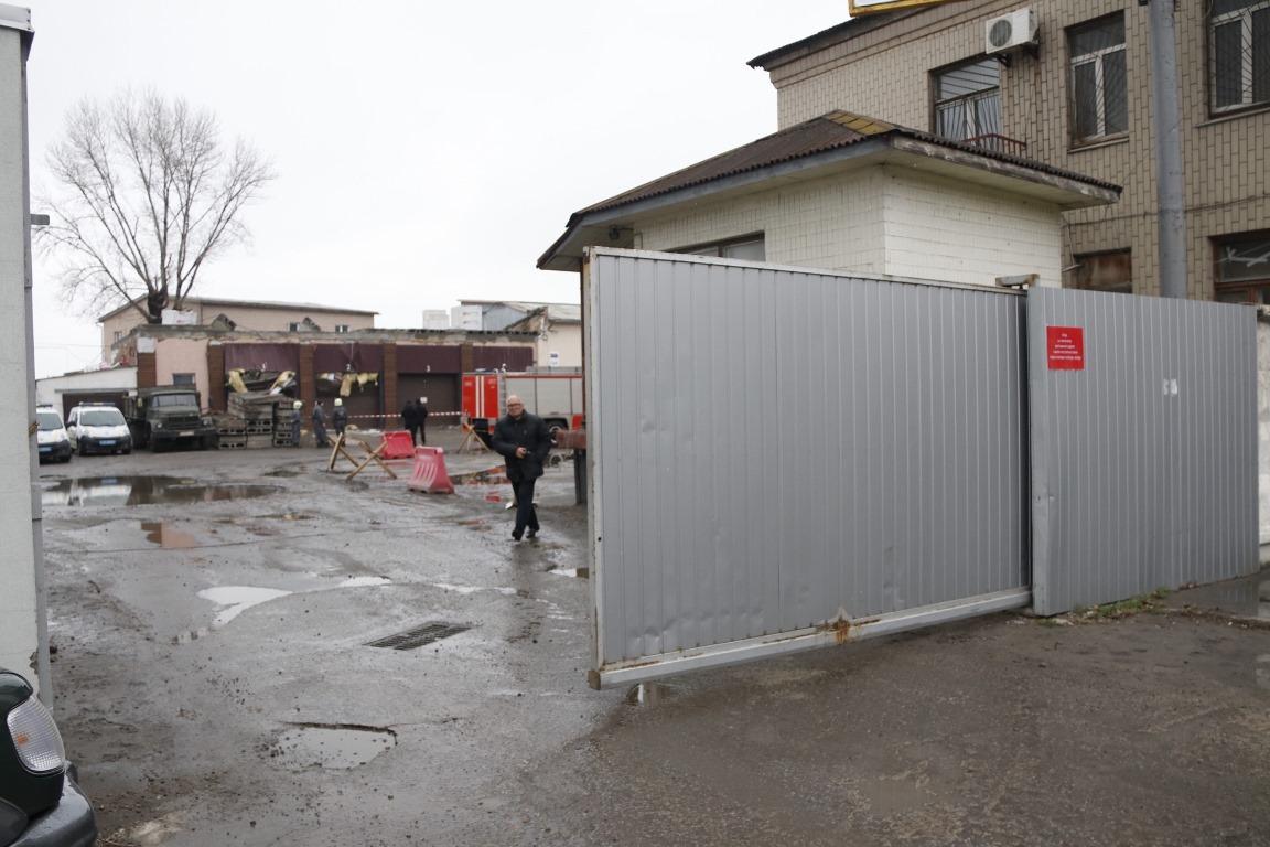 В Киеве на Подоле на стройке обвалилось здание, одна женщина умерла
