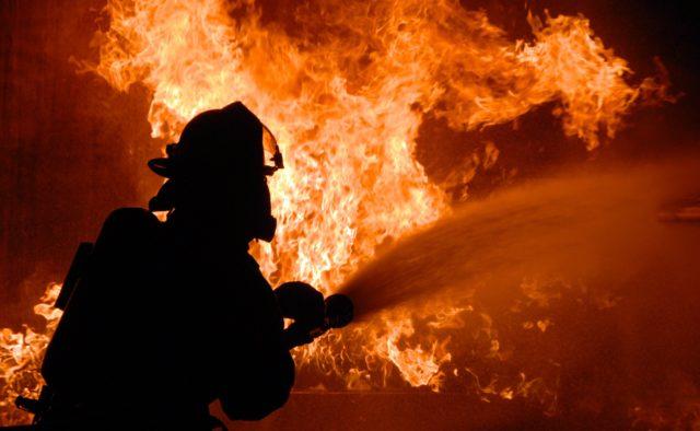 Киевская область: горел завод