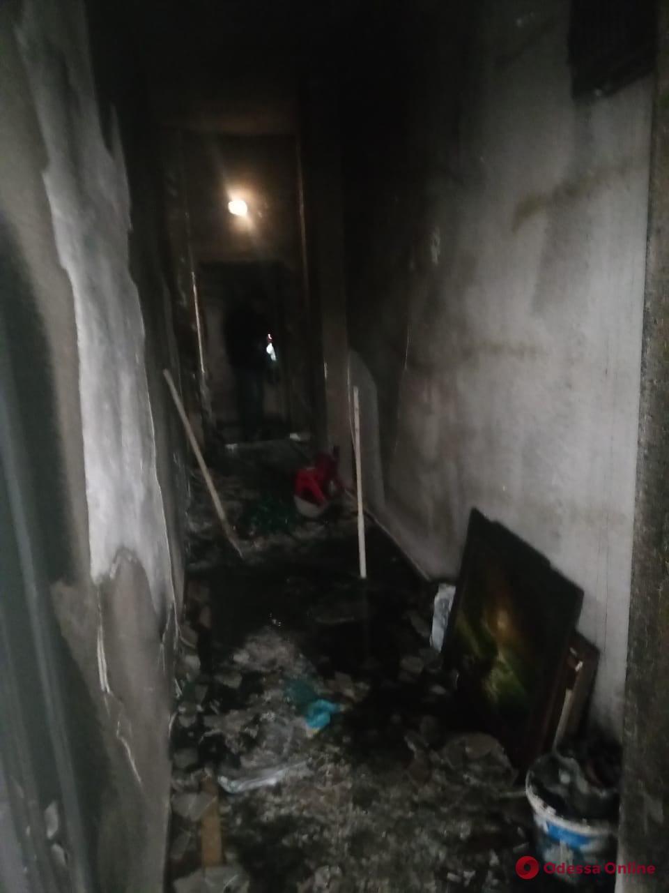 В Одессы мужчина поджег дом депутата