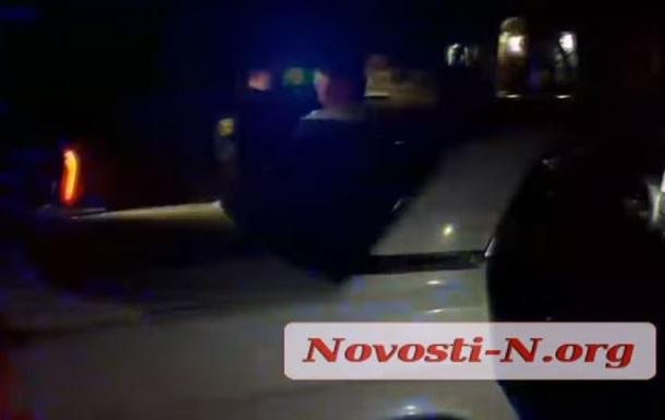 В Николаеве во время погони водитель протаранил полицейский автомобиль
