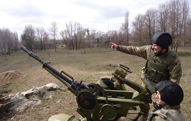 Силовикам в Украине повысили зарплаты