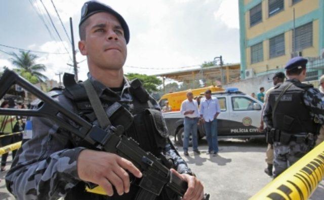 Задержание превратилось в перестрелку с десятком трупов в Бразилии