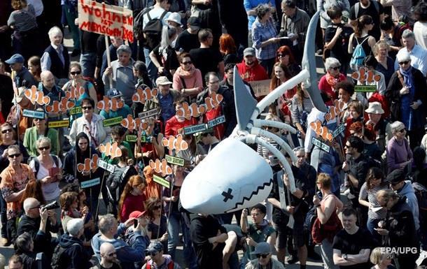 В Германии и Европы десятки тысяч человек протестовали против растущей арендной платы за квартиры