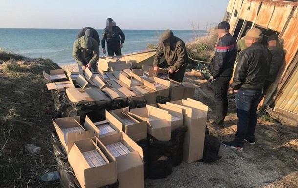 Двое мужчин в Донецкой области нелегально переправляли контрафактные сигареты