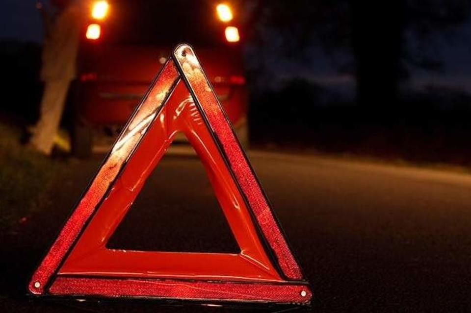 Авария в Ровно: воителя вырезали из авто