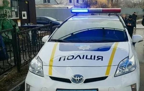 Полицейские Киева расстреляли автомобиль с грабителями