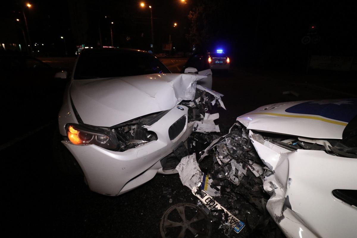 Патрульный автомобиль попал в ДТП в Киеве