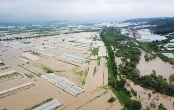 На Закарпатье и Прикарпатье вода повредила 98 мостов, размыто около 100 км дорог