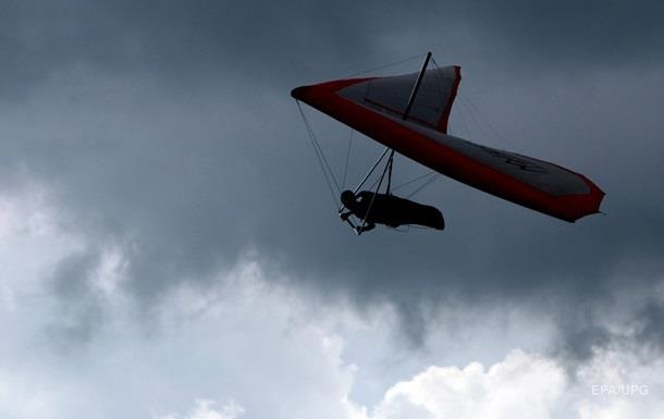 Падение дельтаплана в Полтавской области : погибли два человека