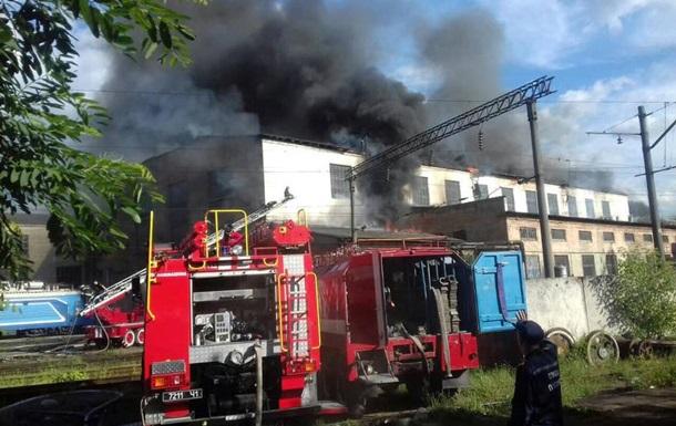 Во Львове произошел пожар, тушили более четырех часов.