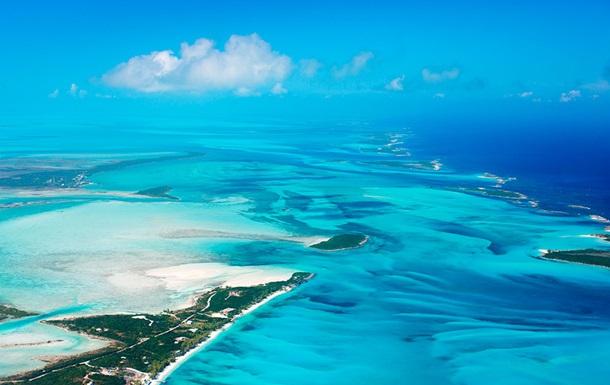 Семь человек погибли в результате крушения вертолета на Багамах, среди них угольный магнат