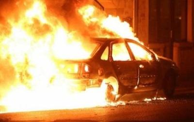 В столице ночью сгорели три автомобиля