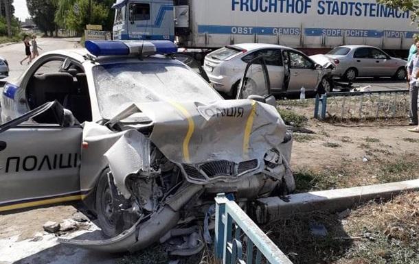 В Изюме попали в ДТП экипаж полиции, ехал на вызов