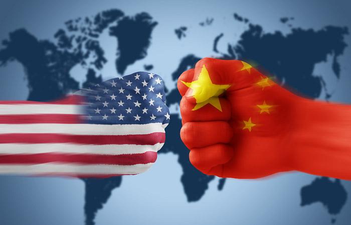 На фоне обостряющегося торгового конфликта США с КНР произошло падение курса акций