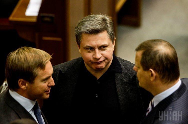 Столичный суд наложил арест на 10 счетов в Европе сына экс-премьер-министра Азарова