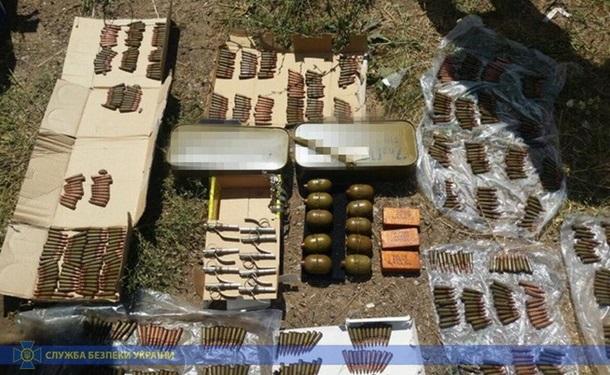 12 гранатомётов РПГ-22 и РПГ-26, 31 граната , более 30 подрывников для гранат и почти 3 тысячи патронов пытались продать военные