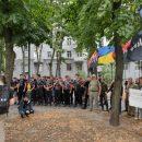 Возле Нацполиции в Харьковской области националисты требовали освободить трех активистов
