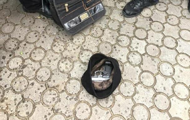 В Черновцах нетрезвый водитель стрелял в патрульного