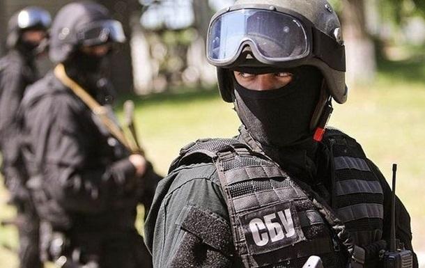 Член накогруппировки поджигал квартиры свидетелей и обстреливал их дома из гранатометов