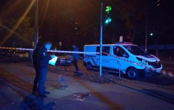 В Киев возле офиса застрелили мужчину