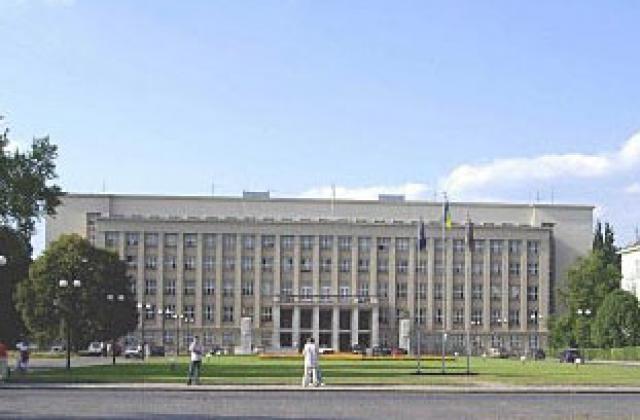Депутаты Закарпатского областного совета требуют создать венгерский район.
