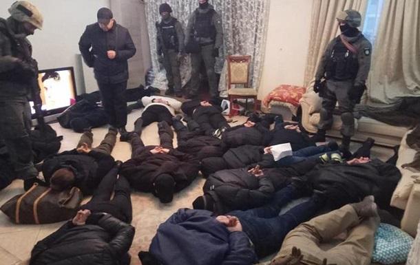 Штурм квартиры в Киеве: задержано 17 рейдеров