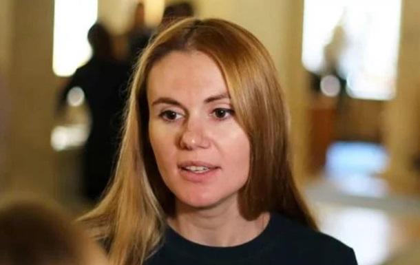 Депутаты Слуги народа ежемесячно получают по 5 тысяч долларов