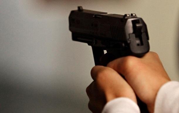 В общежитии Херсона студент выстрелил в лицо своему соученику