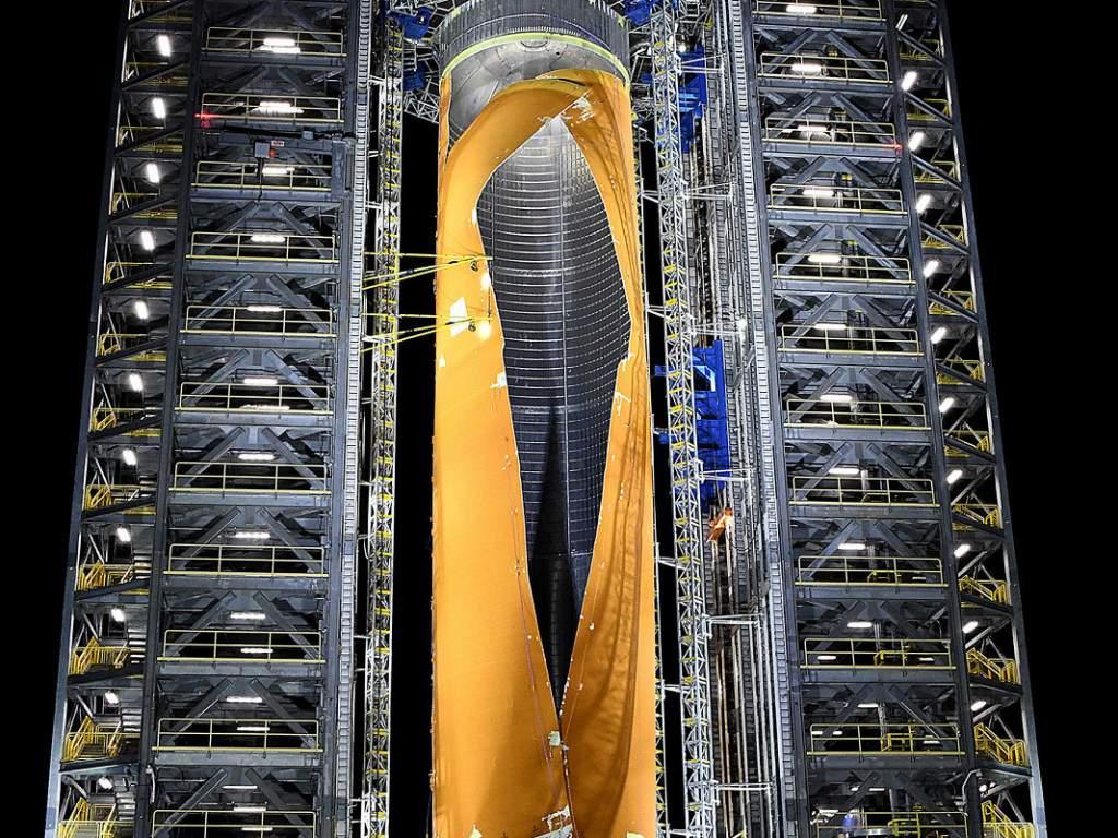 Национальное управление по аэронавтике и исследованию космического пространства США (NASA) показало испытание на прочность прототипа основного топливного бака