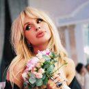 Известная украинская поп-певица Светлана Лобода порадовала поклонников в сети новым откровенным снимком