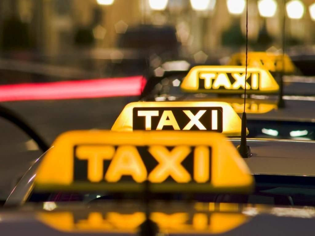 27-летний мужчина украл автомобиль таксиста и продал