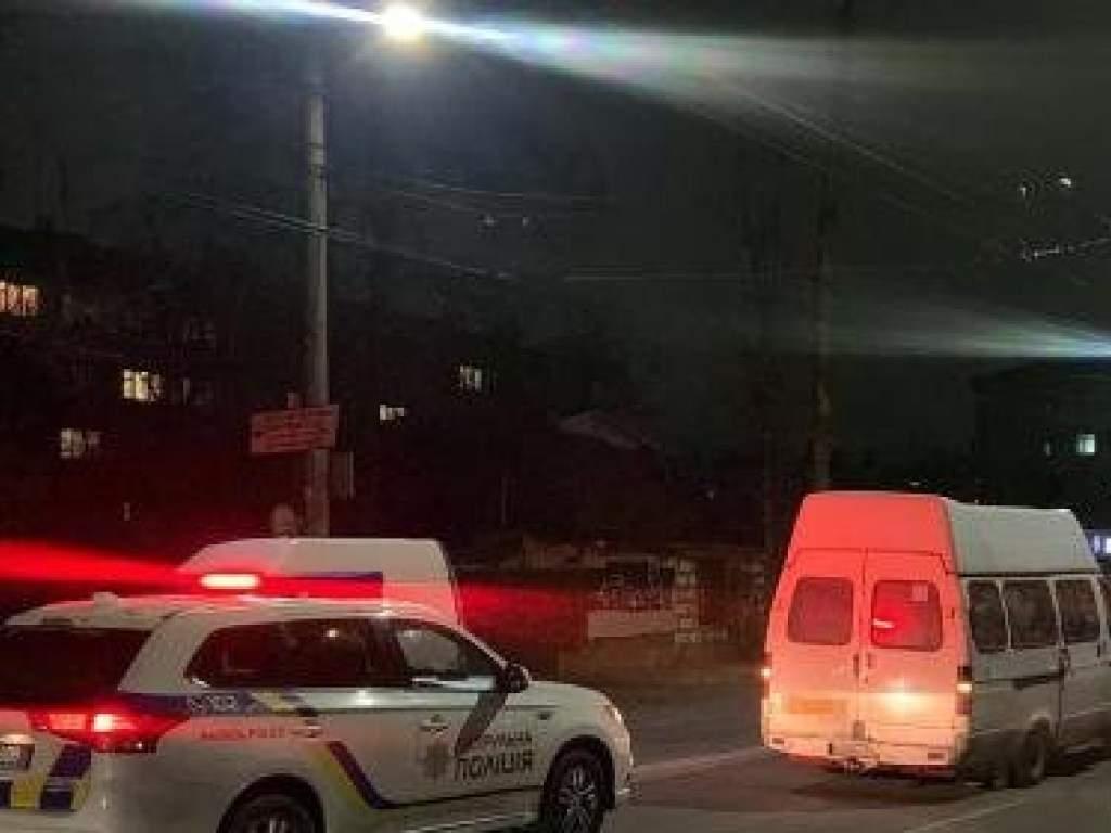 В Житомире столкнулись сразу три машины (ФОТО)