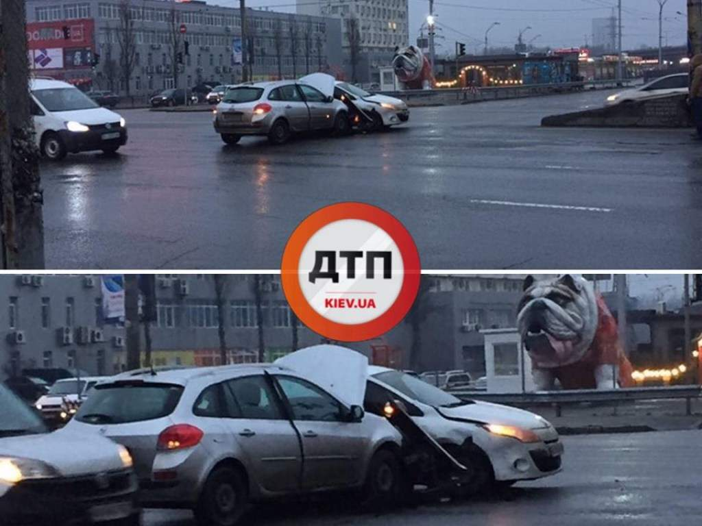 Водители не рассчитали скорость: В Киеве произошло ДТП (ФОТО)