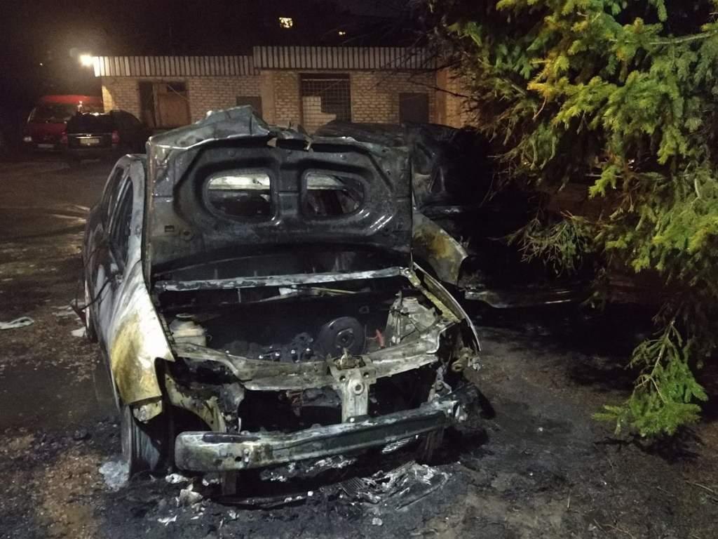 В Харьковской области в результате пожара пострадали четыре авто