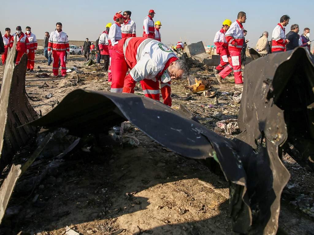 Авиакатастрофа в Иране набирает обороты: уже есть  7 версий крушения самолета