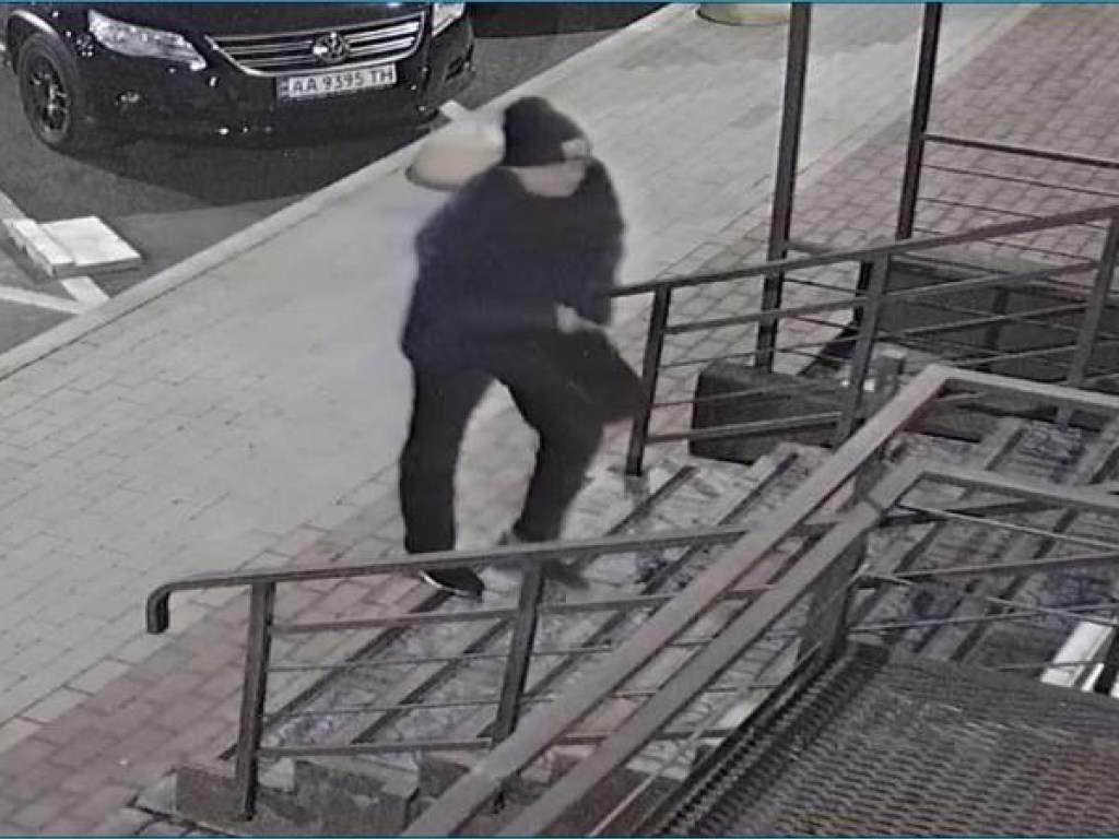 Полиция разоблачила двух киевских мошенников