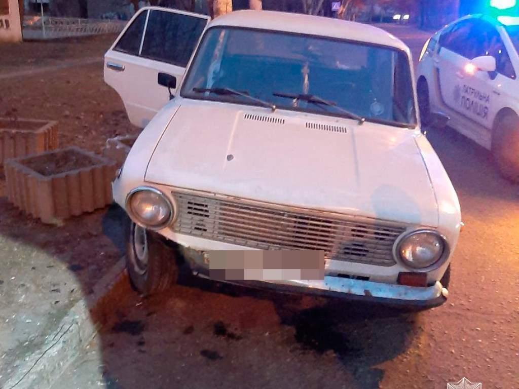 В Запорожье пьяная женщина угнала чужу машину (ФОТО)
