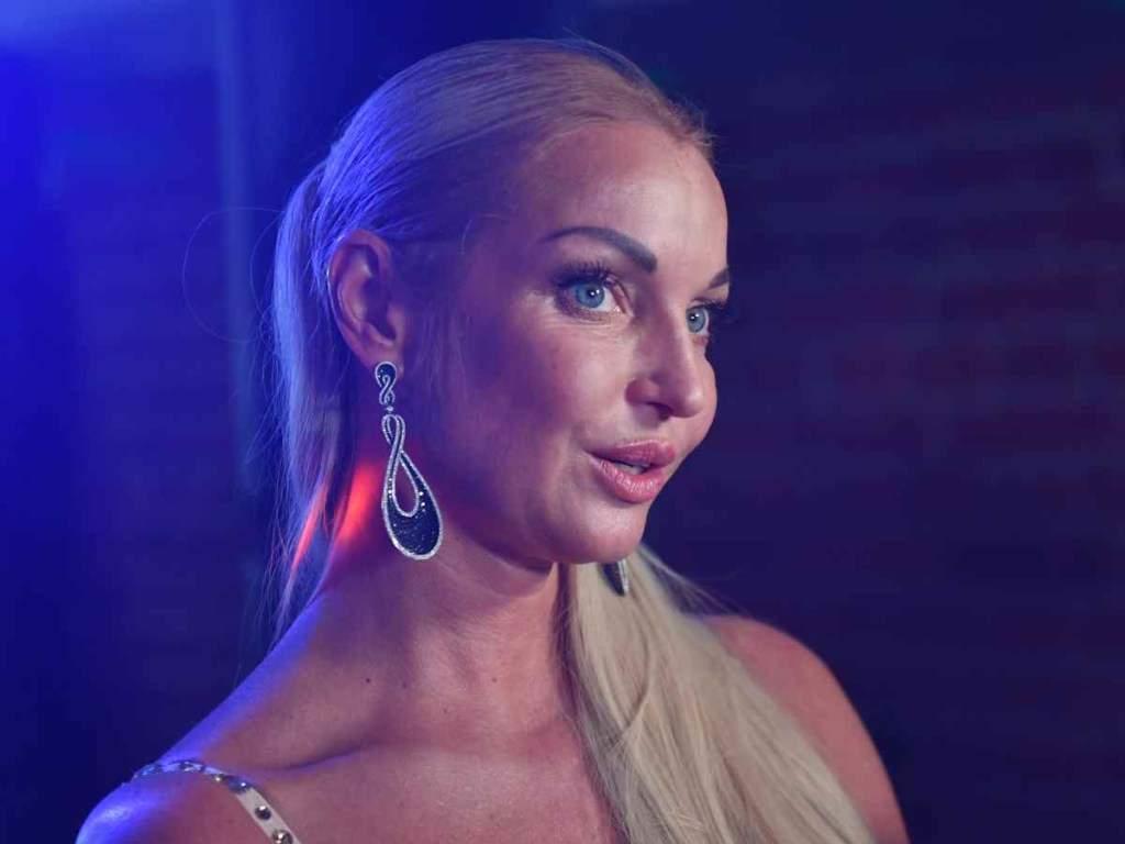 Анастасия Волочкова решила подать в суд на своего бывшего супруга из-за огромного долга
